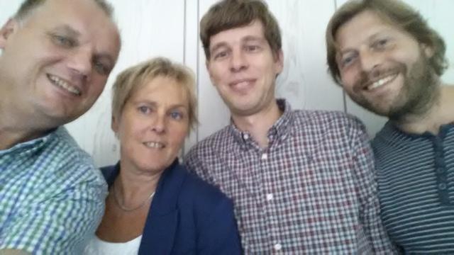Selfie mit Piraten (v.l.n.r. Peter Otten; Monika Pieper, MdL; Holger Walz; Dr. Johannes Clessienne, Fraktionsreferent)